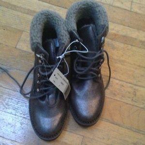 Easy spirit metallic combat boots!